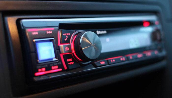 Radio per auto con usb frontale
