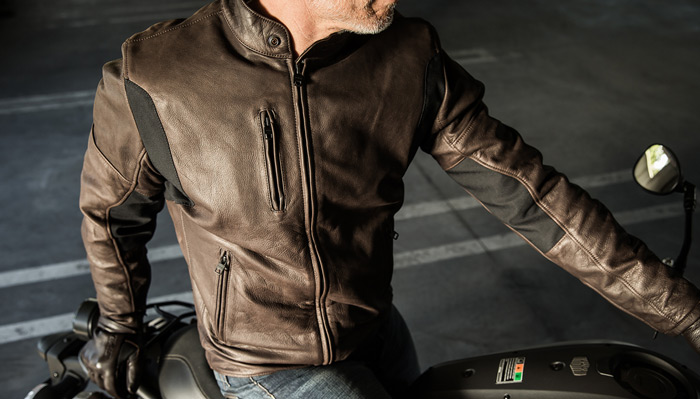 the latest 8520e 82bd2 Giacca in pelle da moto: Guida all'acquisto con classifica ...